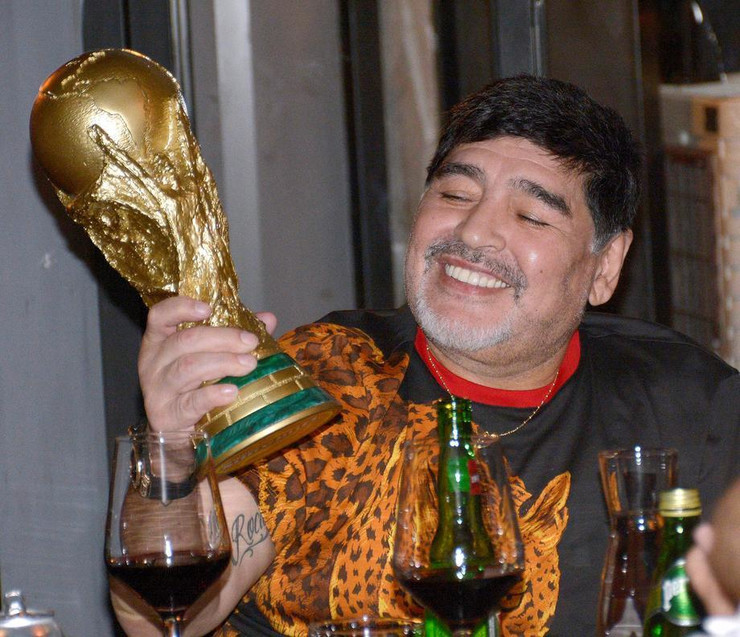 Dijego Aramndo Maradona