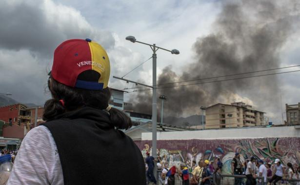 """Kwestię Wenezueli poruszyła również Merkel, oświadczając, że według Berlina Guaido stał się """"prawomocnie prezydentem tymczasowym""""."""