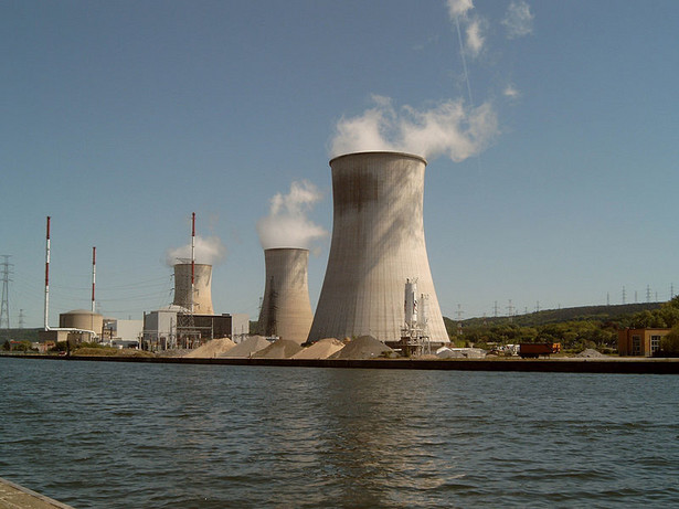 Elektrownia atomowa Tihange, Autor: Michielverbeek, CC BY-SA 3.0