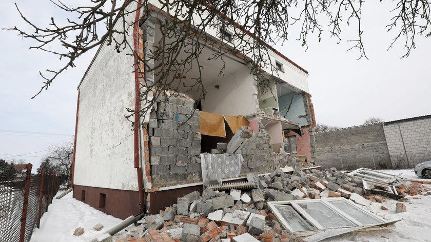 Dramat w Olszewnicy Nowej. Wybuch zniszczył budynek. Jedna osoba ranna