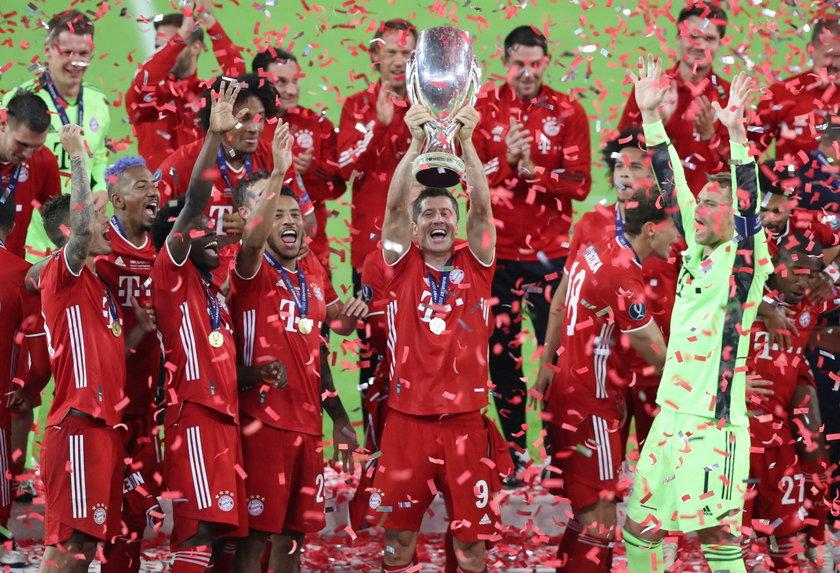 W tym roku wszystko wygrywa Superpuchar to kolejne trofeum dla Bayernu i Roberta Lewandowskiego. Polak jest wniebowzięty