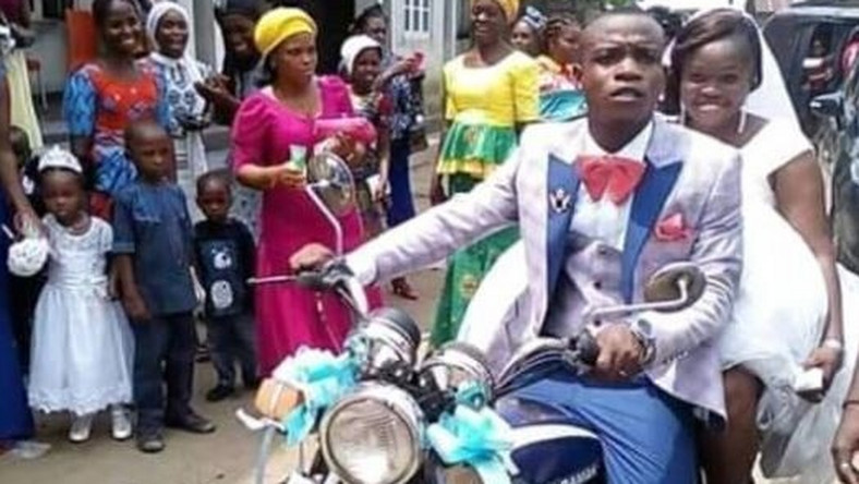 Bride excited as 'broke' groom carries her on a motorbike