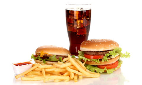 Fast foods encourage rapid and successive acne breakouts [en.axar]