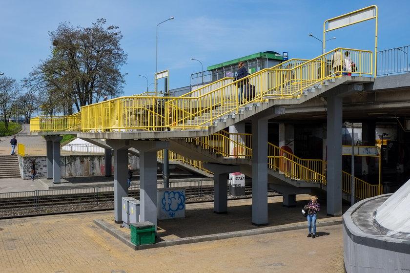 Radna i społecznicy apelują o przejścia między peronami PST