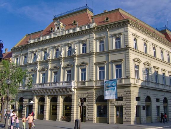 Narodni muzej u Zrenjaninu, pardon, Petrovgradu, pardon...