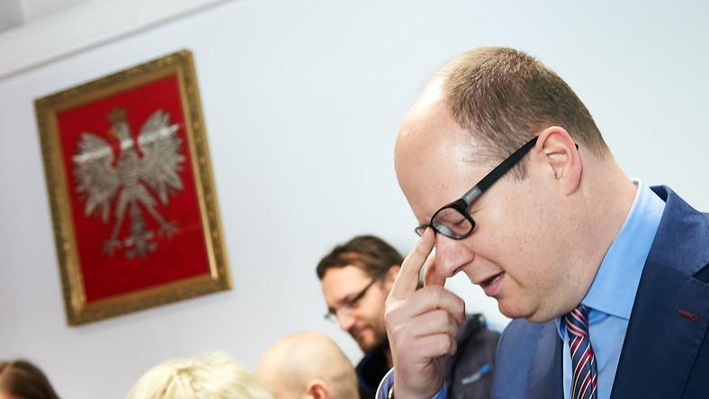 Szef radnych PiS: Adamowicz powinien podać się do dymisji
