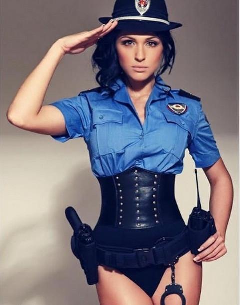 Seksi policajka: U ovom izdanju je nismo videli!