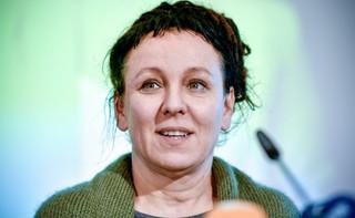 Replika noblowskiego medalu Olgi Tokarczuk na licytacji WOŚP