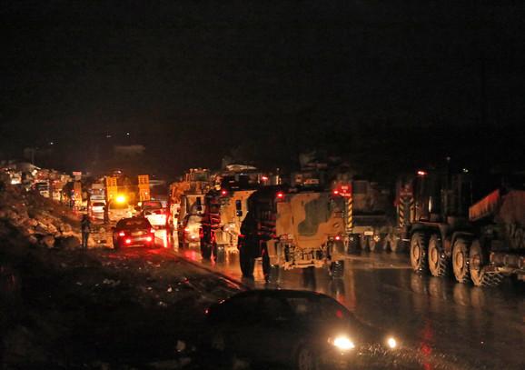 Turska je uputila vojsku ka granici