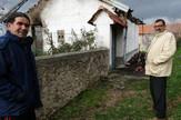 Komsije ispred kuce stradale starice Capljina1