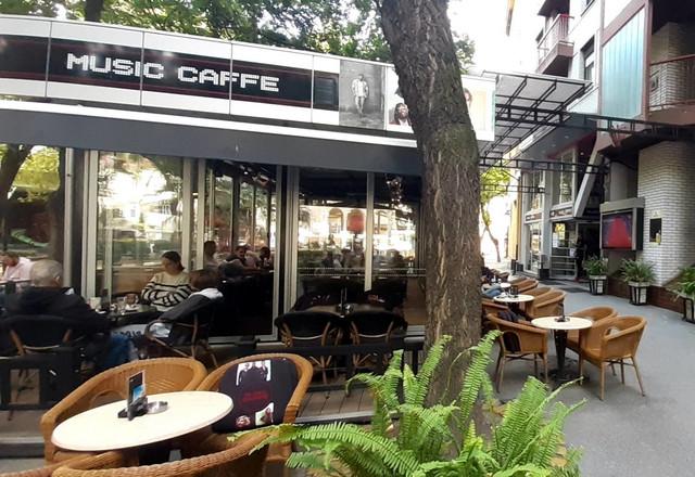 Poluprazni kafići u Subotici