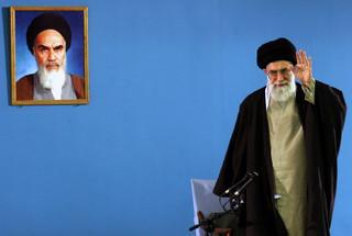 Iran: Importowanie szczepionek z USA i Wielkiej Brytanii jest zabronione