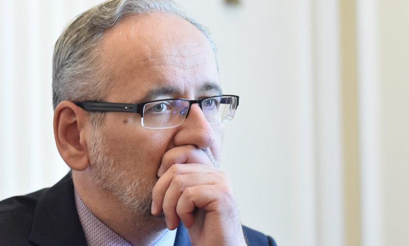Medycy będą obopwiązkowo szczepieni? Minister zdrowia Adam Niedzielski komentuje.