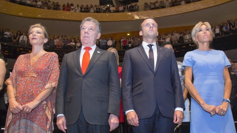 Małżonka prezydenta Kolumbii jest kilka lat młodsza od pierwszej damy Francji, ale w konfrontacji z nią wygląda zdecydowanie poważniej i mniej atrakcyjnie...
