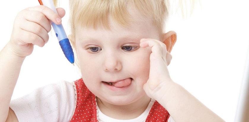 Twoje dziecko też wystwia język, gdy się koncentruje?