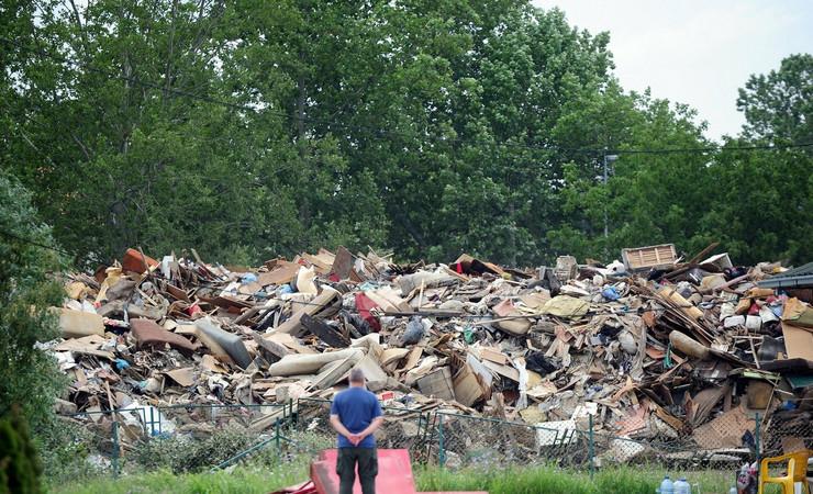 481491_obrenovac-posle-poplave130614ras-foto-oliver-bunic13