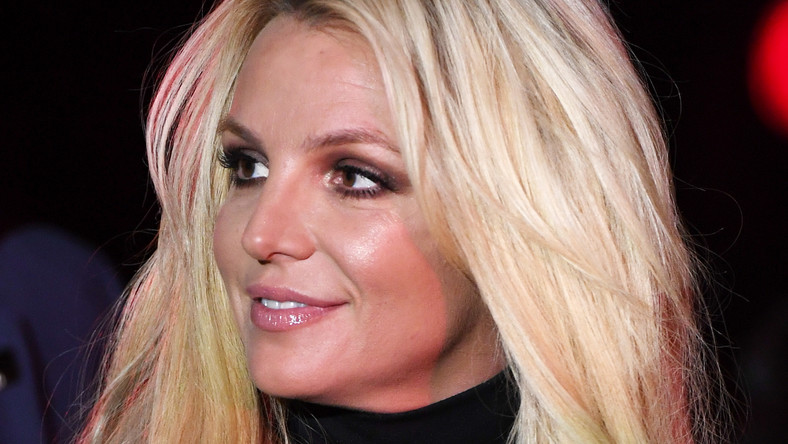 Britney Spearsgłębokie gardło obciąganie
