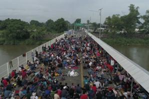 Sve veći broj migranata iz Centralne Amerike približava se granici SAD i Meksika