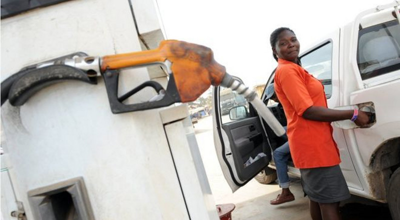 Naira to hit N415/$1, fuel price to rise and 5 other highlights from PWC's 2019 economic outlook