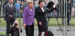 Kopacz pogubiła się na lotnisku! Ratowała ją Merkel. FILM