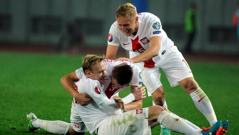 Radość strzelca trzeciej bramki dla reprezentacji Polski Sebastian Mili