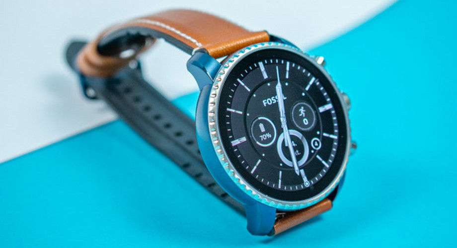 Fossil Q Explorist HR im Test: top Design, flop Akku