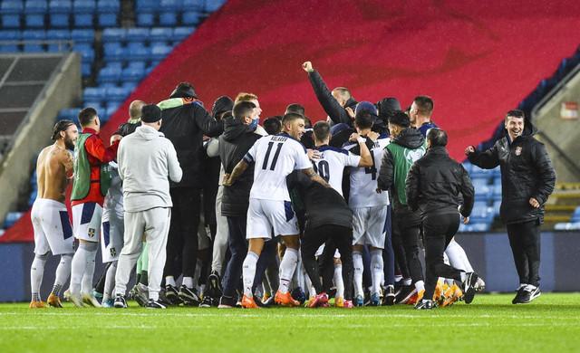 Fudbalska reprezentacija Srbije slavi uspeh u Oslu