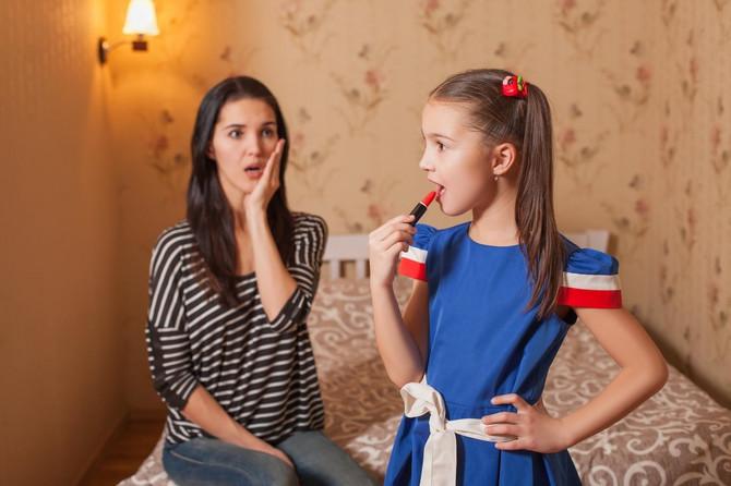 Ne ispunjavajte ćerkama sve hirove u vezi sa fizičkim izgledom, već ih naučite da zavole sebe takve kakve jesu
