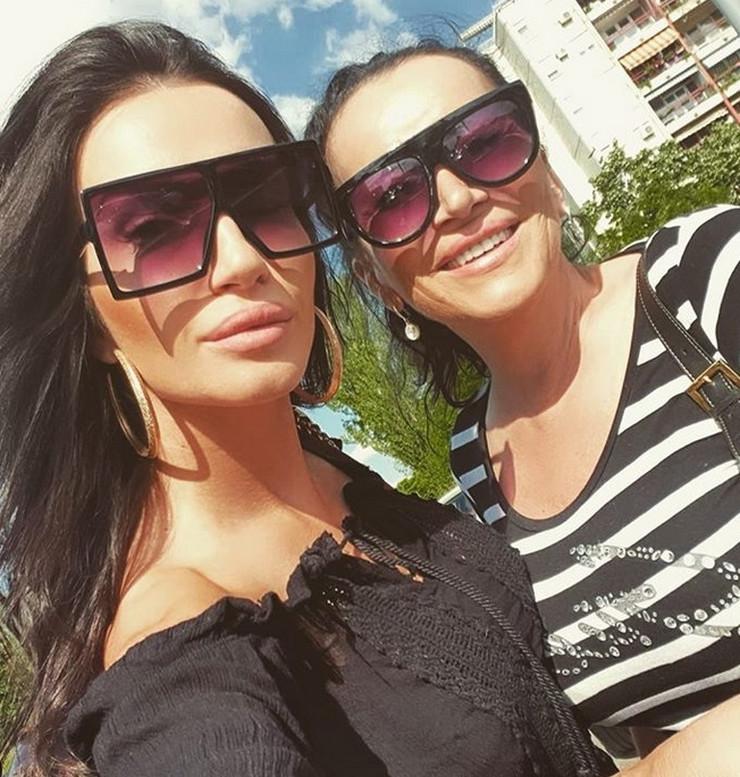 Goca Božinovska sa ćerkom Zoranom