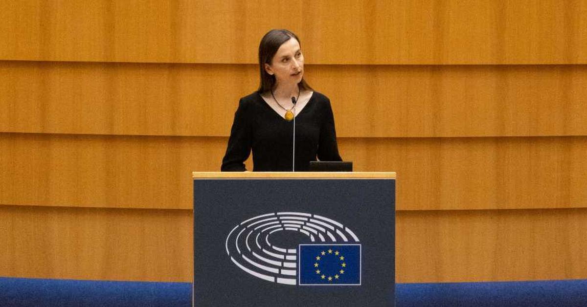Sylwia Spurek chce zakazać wędkarstwa.