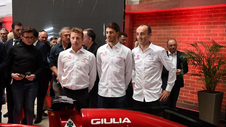 Kierowcy zespołu Alfa Romeo Racing Orlen (od lewej): Kimi Raikkonen, Antonio Giovinazzi i Robert Kubica, podczas konferencji prasowej dot. współpracy PKN ORLEN z Alfa Romeo Racing ORLEN