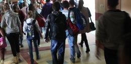 Wybił szybę w szkole - czy rodzice muszą płacić?