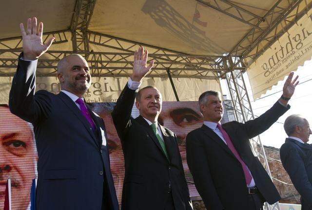 Edi Rama, Redžep Tajip Erdogan i Hašim Tači