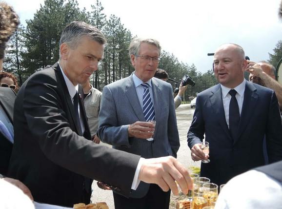 Milan Stamatović i Nenad Popović u društvu ruskog ambasadora Čepurina