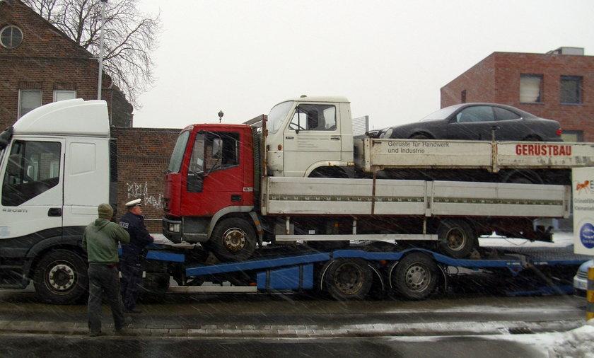 polak załadunek samochód laweta niemcy