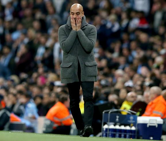 Pep Gvardiola, trener Mančester sitija, na momente kao da je želeo da iskoči iz sopstvene kože