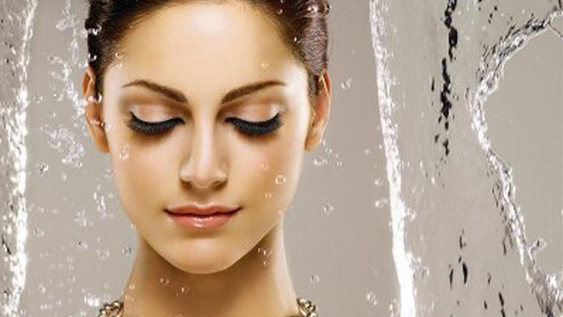 Seria wodoodpornych kosmetyków marki Deborah