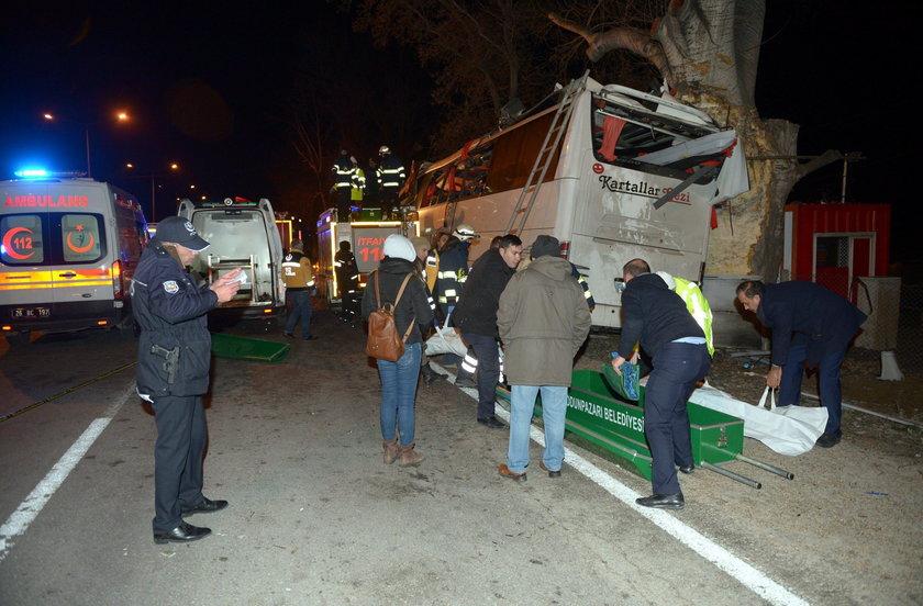 Tragiczny wypadek autobusu z dziećmi. Nie żyje 11 osób