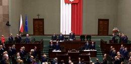 Pierwsze posiedzenie nowego Sejmu. Macierewicz na mównicy