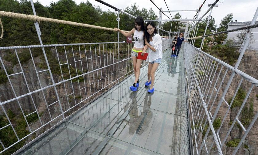 Szklany most