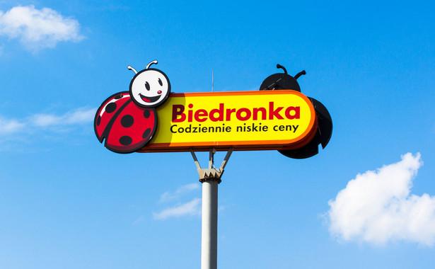 Biedronka wprowadziła możliwość zapłaty zbliżeniowo za zakupy do 100 zł bez konieczności potwierdzania ich kodem PIN we wszystkich sklepach sieci w Polsce