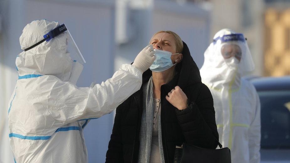 Wielka Brytania: koronawirus. Skrócenie kwarantanny dzięki testowi