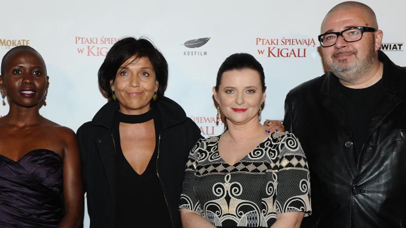 """Eliane Umuhire, Joanna Kos-Krauze, Jowita Budnik i Witold Wieliński na premierze filmu """"Ptaki śpiewają w Kigali"""""""