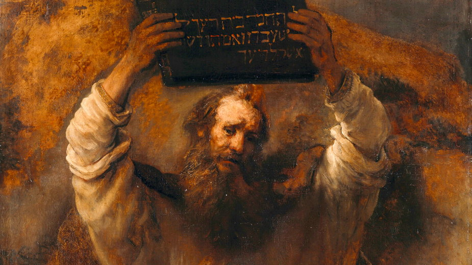 Mojżesz z tablicami prawa na obrazie Rembrandta