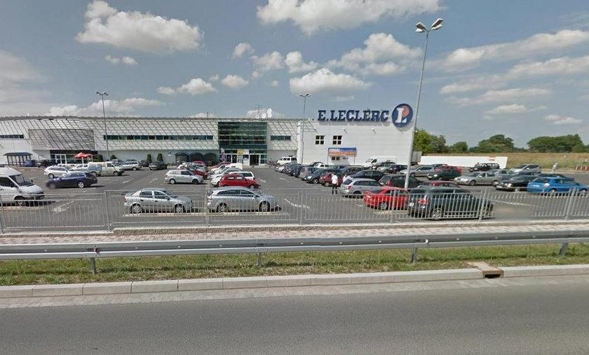 Nożownik w centrum handlowym we Wrocławiu
