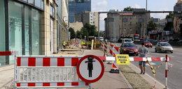 Remontują chodnik przy Galerii Bałtyckiej
