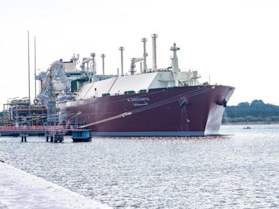 Tankowiec Qatargas w gazoporcie w Świnoujściu. Fot. Gaz-System