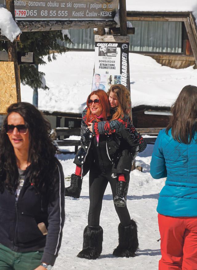 Snežana Dakić sa ćerkom Laurom