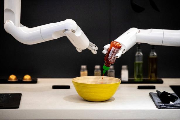 Sztuczna inteligencja ze względu na brak zdolności prawnej nie może też korzystać z innych przywilejów, które przysługują wynalazcom
