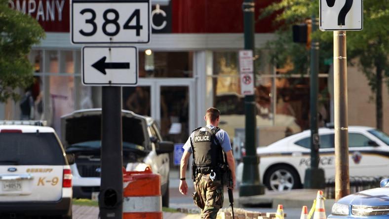 Policjanci zabili szaleńca z bronią w ręku